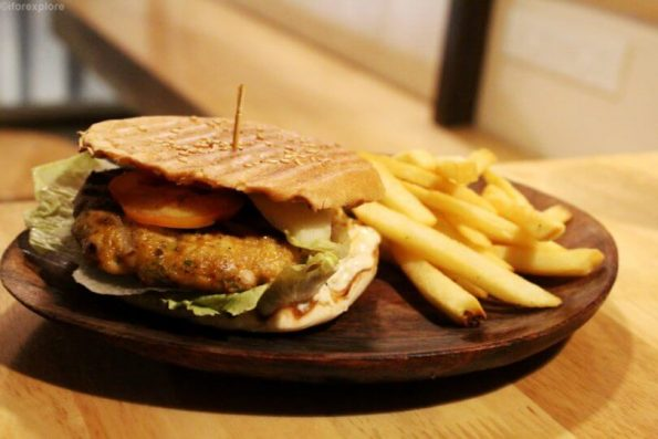 Spicy Chicken Burger Skips Aundh