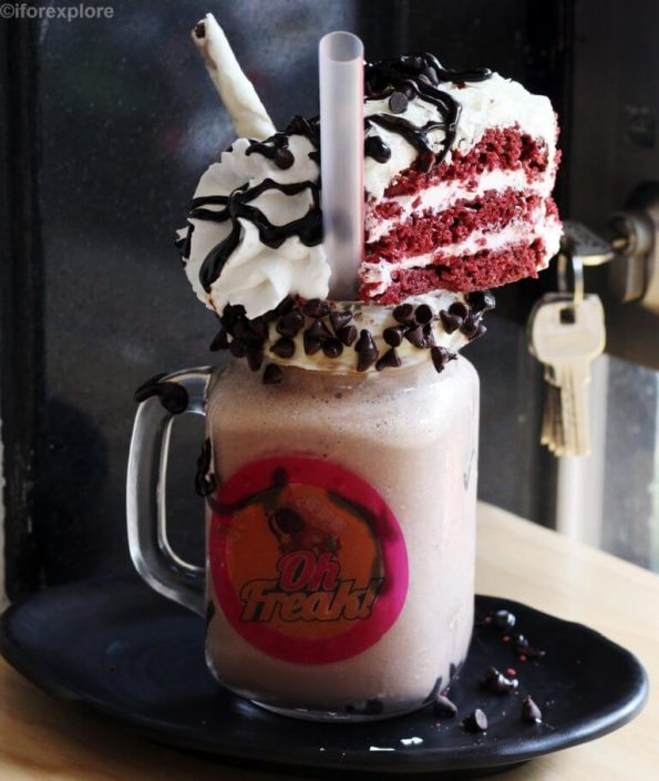 Red-Velvet-Freak-Shake-Oh-Freak