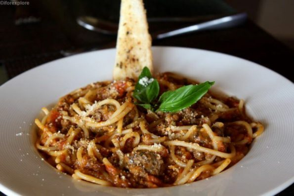 Spaghetti with Bolognaise Meat Sauce and Meat Balls-robins ark