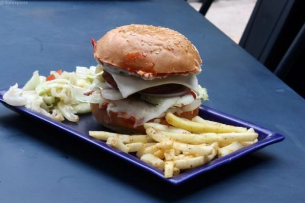 spicy-paneer-burger