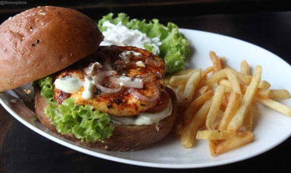 Cottage-Cheese-Burger-cabaret-baner