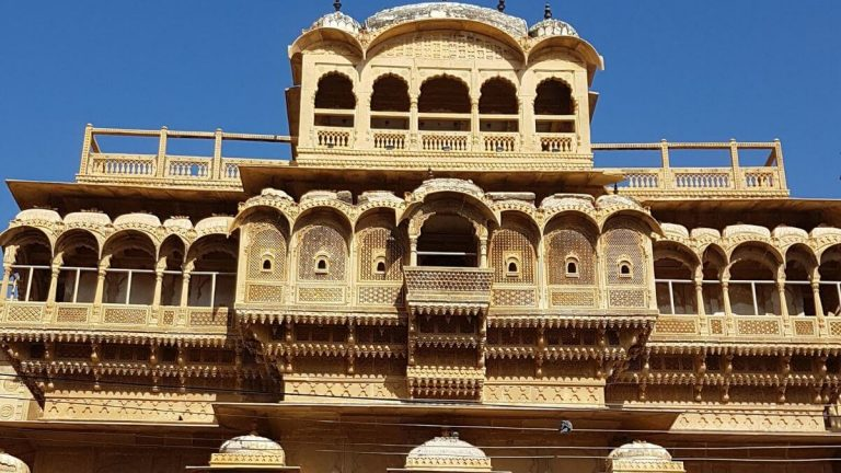 Read more about the article Jaisalmer – A Glimpse of my Trip to the Golden City